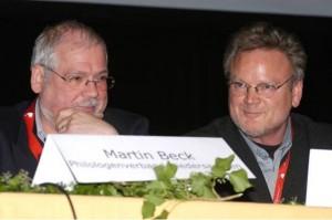 """Ein """"historischer Augenblick"""" für Niedersachsen: Philologen und Sonderpädagogen setzen sich zusammen. Sie setzen sich für unser Anliegen ein. Martin Beck (Philologenverband) und Reinhard Fricke (VDS). Foto: LAG"""