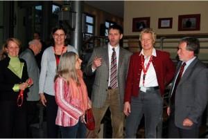 Silva Seeler (SPD) , Erika Weber (Projektkoordinatorin), Jutta Liebetruth (SPD), Herr von Danwitz (CDU), Ina Korter (Bündnis 90/Die Grünen), Dr. Peter Wachtel (Niedersächsisches Kultusministerium). Foto: LAG